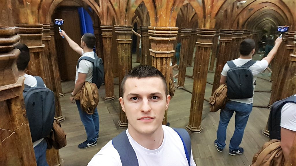 mirror maze from prague