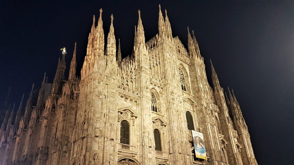 Domul din Milano Noaptea