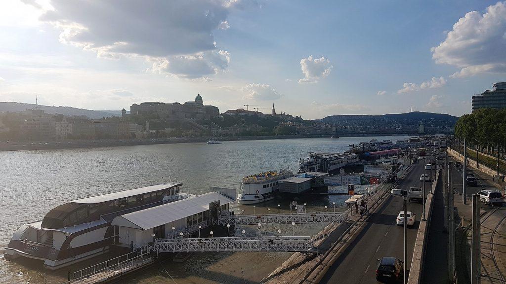 plimbare cu barca pe dunare Budapesta