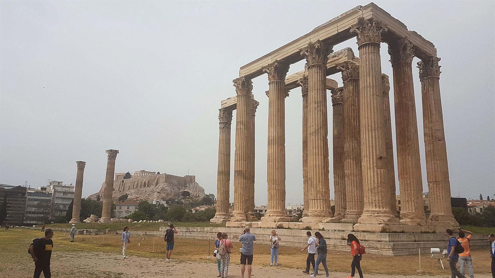 Temple-of-Olympian-Zeus-2