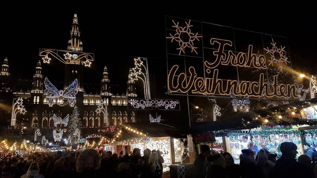 Rathaus-City-Hall-christmas-market