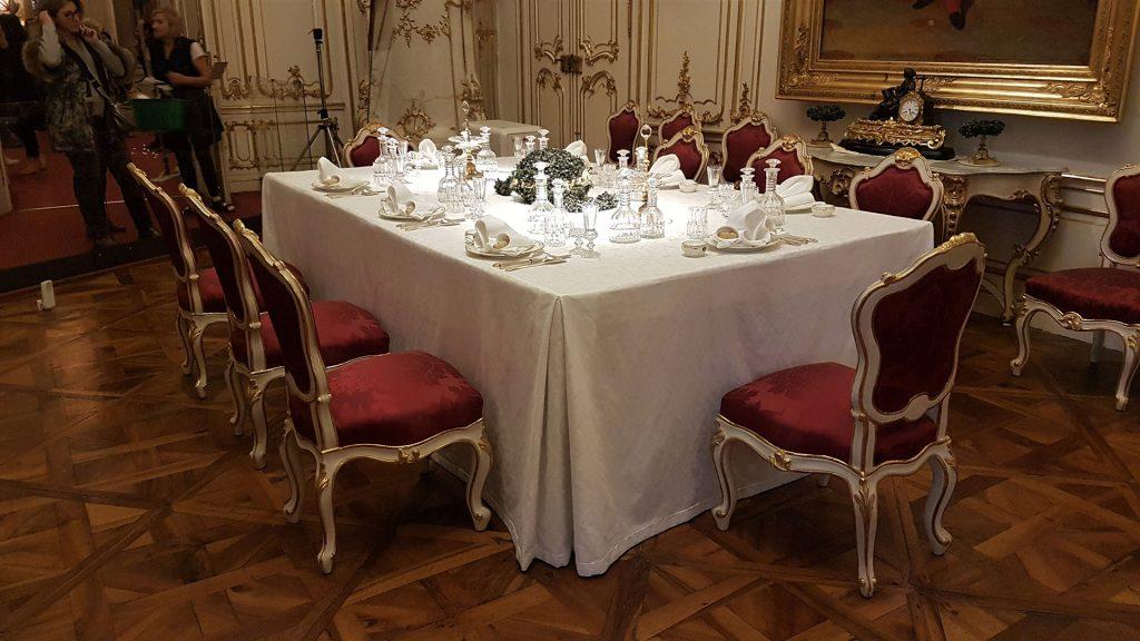 schonbrunn-palace-dinner