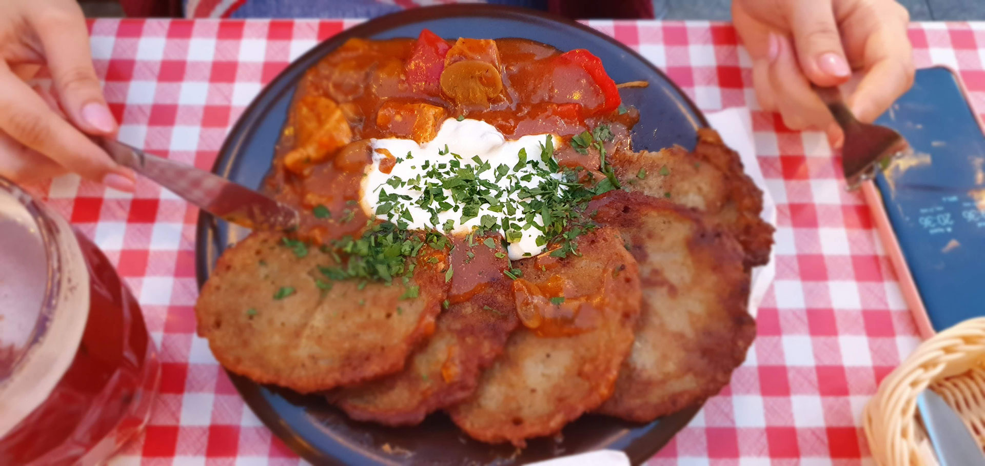 Placki ziemniaczne - Potato pancakes with goulash souce