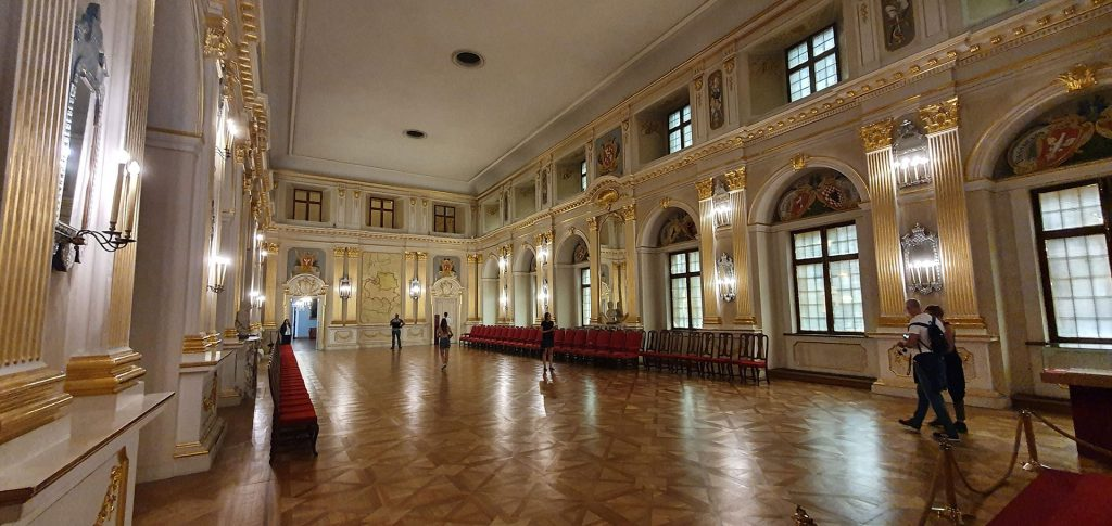 inside-warsaw-royal-castle-3