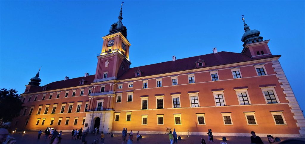 warsaw-royal-castle-night