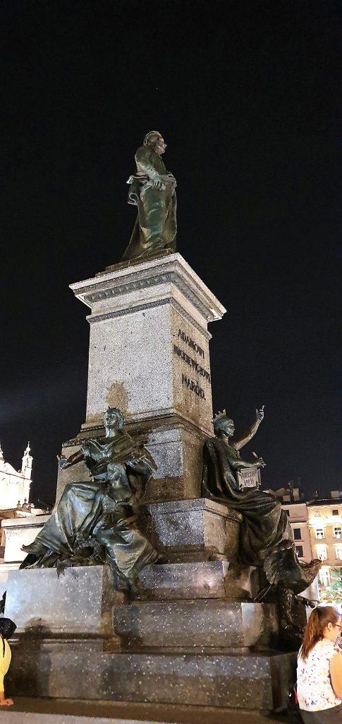 Adam-Mickiewicz-Monument