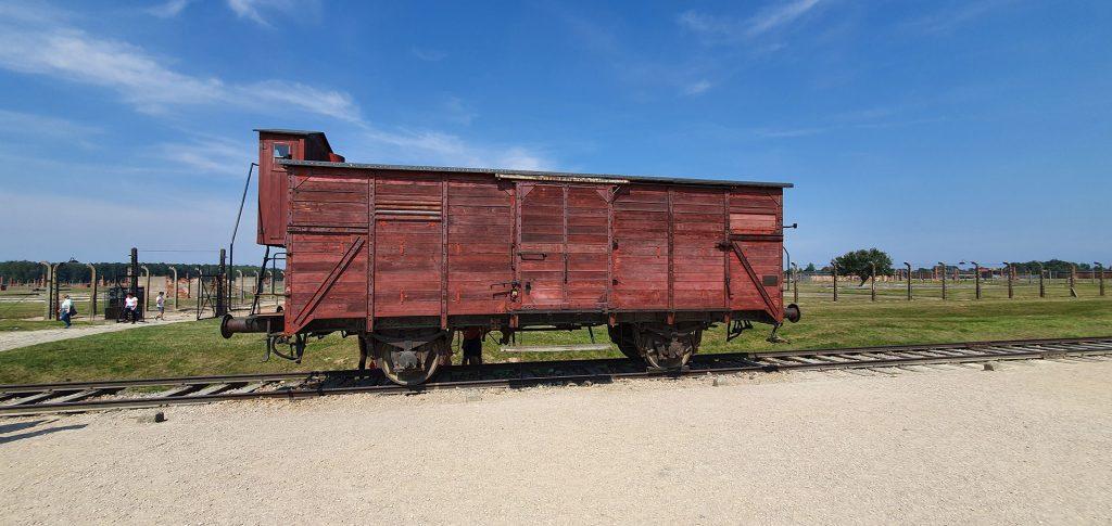 Auschwitz-II-Birkenau-2