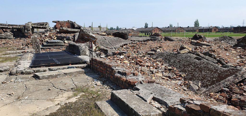 Auschwitz-II-Birkenau-4
